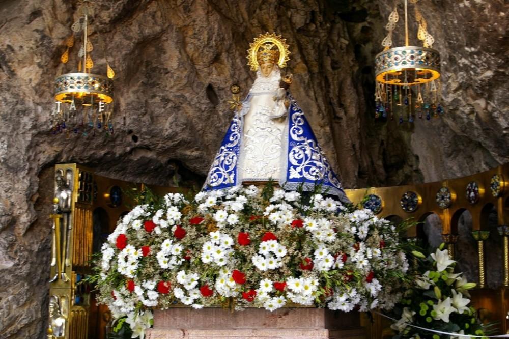 Virgen-de-Covadonga-santina-1024x682