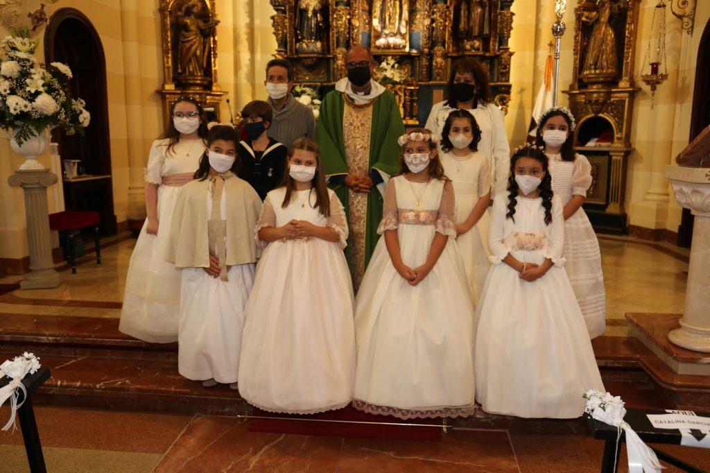 Grupo de Primera Comunión de nuestra Iglesia Parroquial de Salinas.